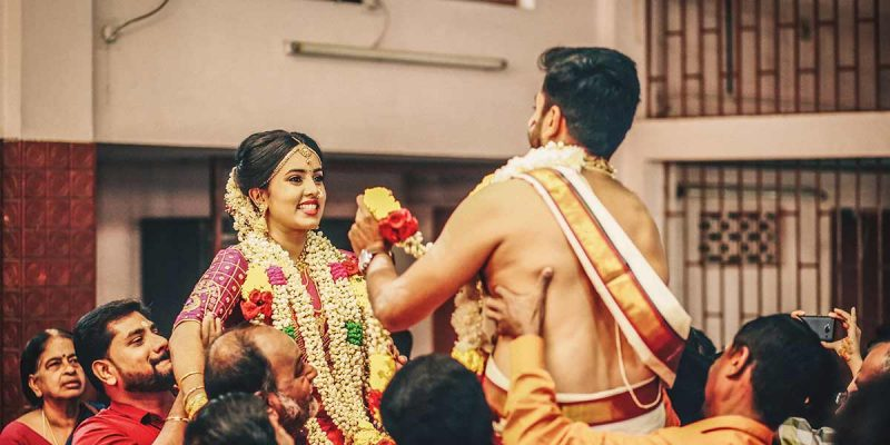 wedding photography garland wearing ceremony Kochi Kannur Kerala India